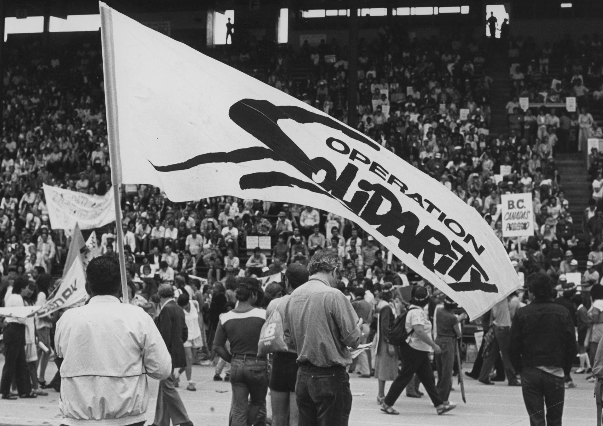 TR-LAB 10883 Op Solidarity Stadium