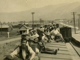 David-Yorke-Photos-riding-the-train-nd-NIS_HR_web